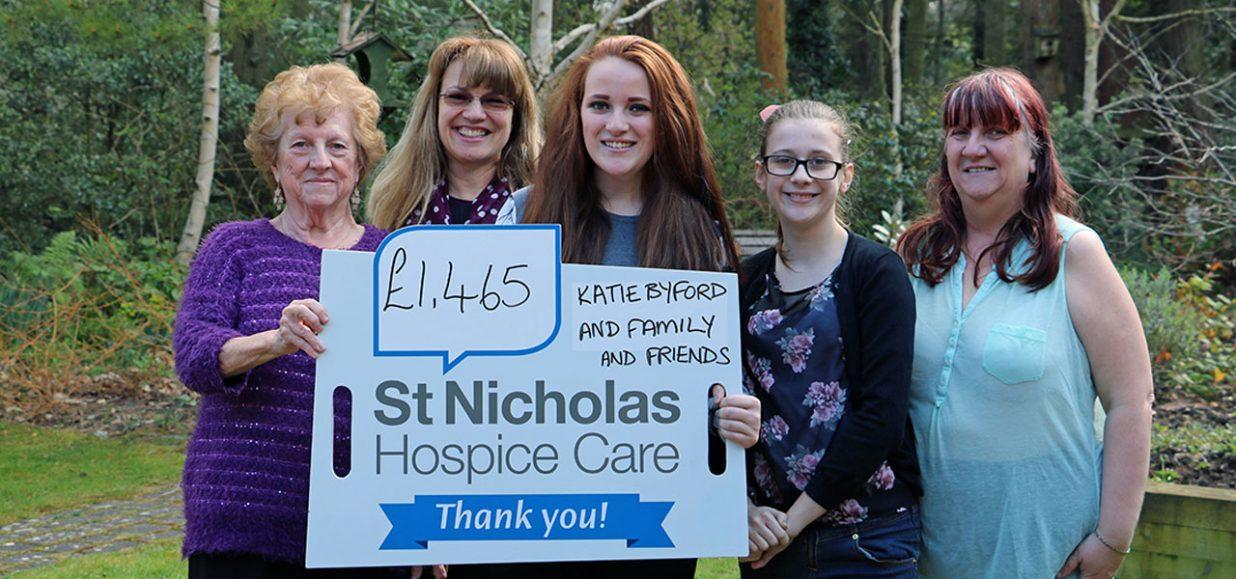 katie-byford-cheque-presentation-st-nicholas-hospice-care