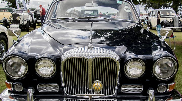 Classic and Sports Cars by the Lake - St Nicholas Hospice