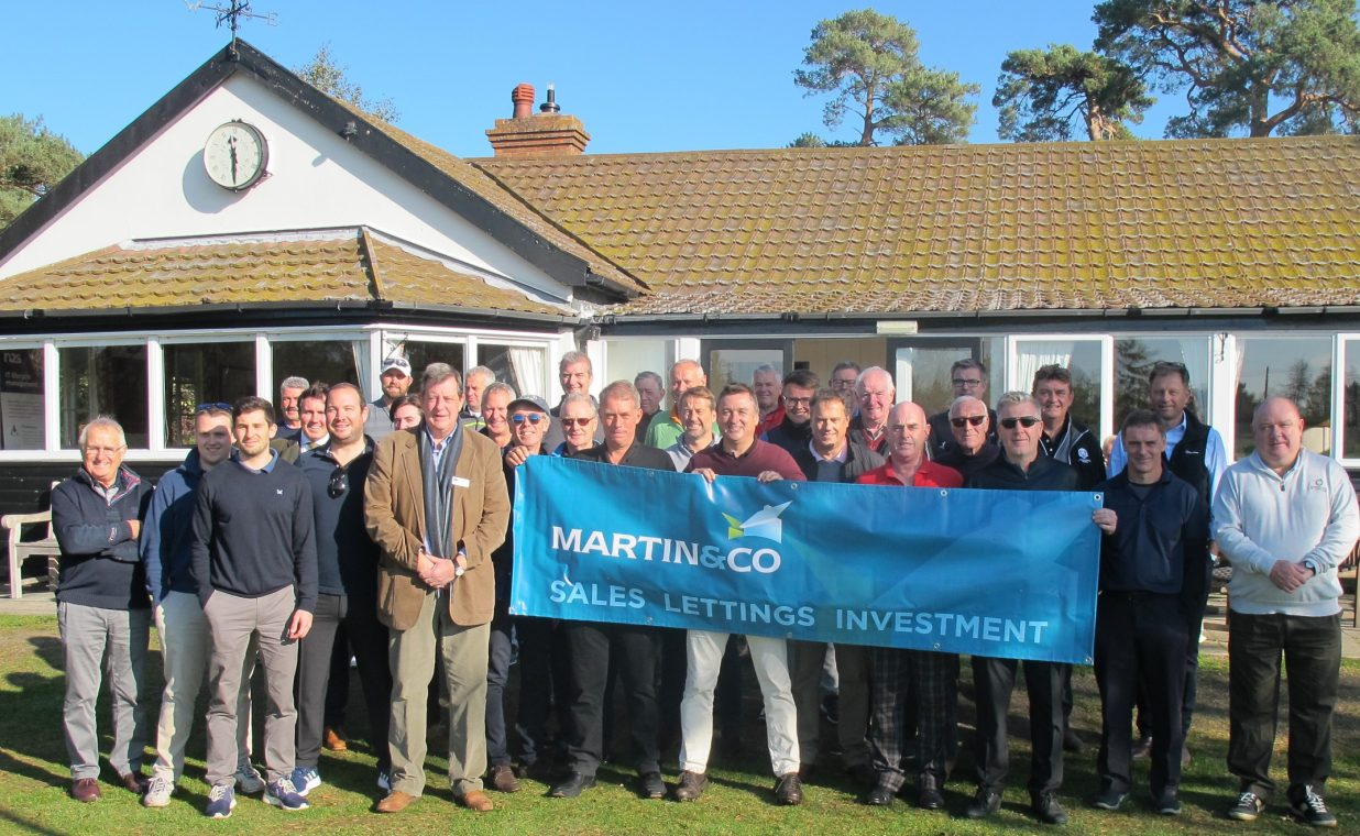 Golfers tee off to raise cash for charity